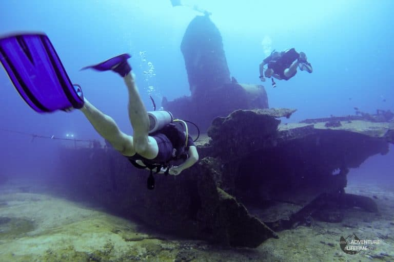 Investigating a shipwreck, Cancun