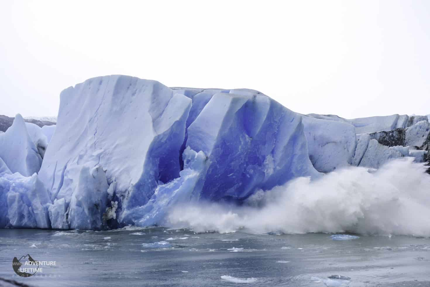 Huge Splash as Grey Glacier Crumbles