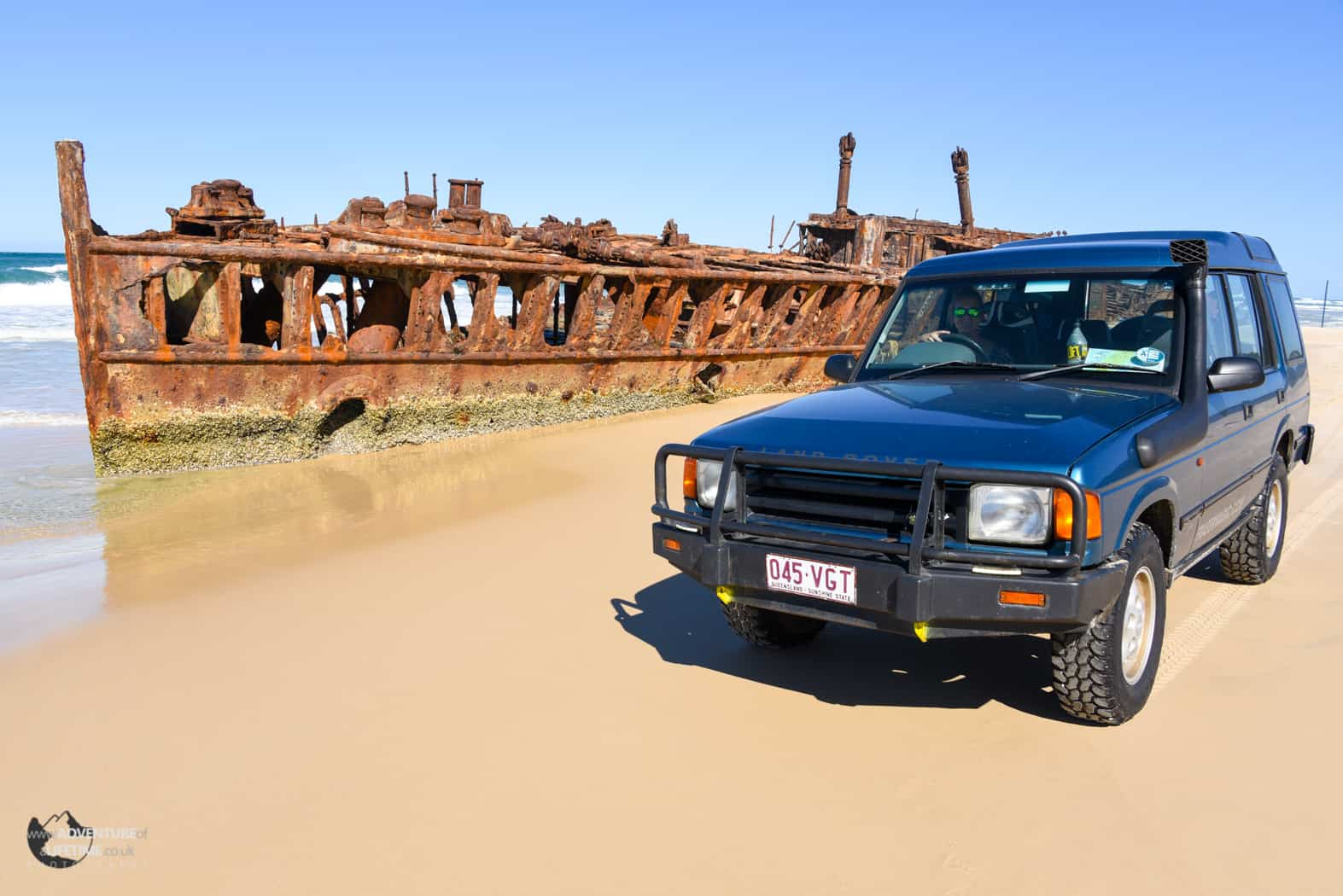 An old ship wreck and our Land Rover Discovery